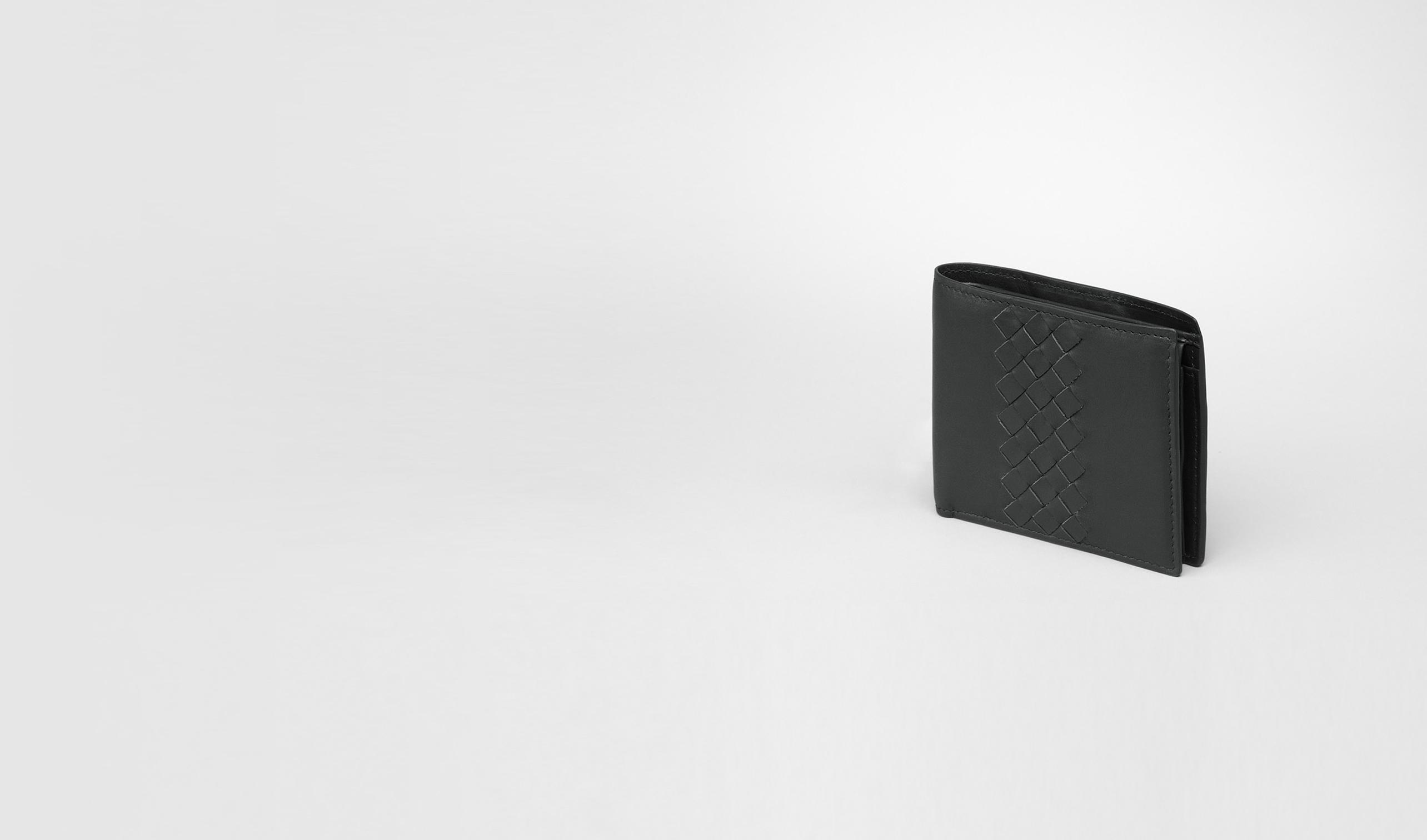BOTTEGA VENETA Portefeuille à deux volets U Portefeuille intrecciato en cuir de veau léger nero pl
