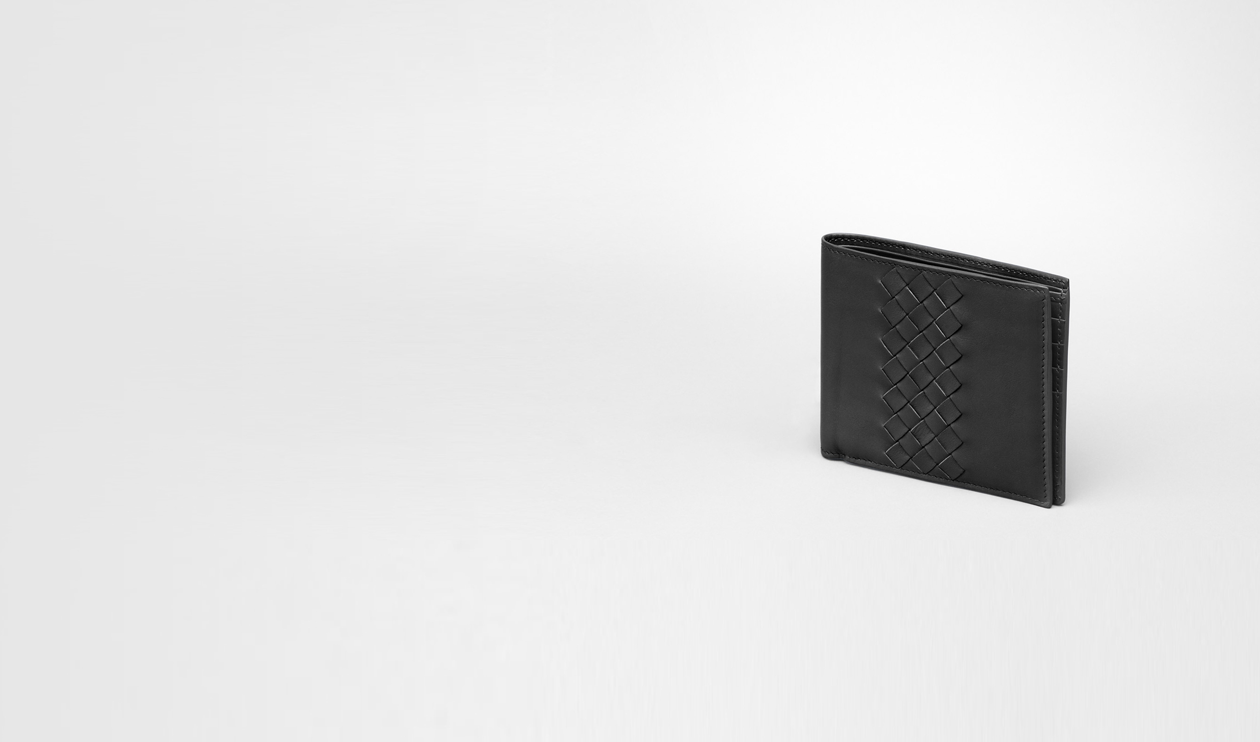 BOTTEGA VENETA Bi-fold Wallet U Nero Intrecciato Light Calf Wallet pl