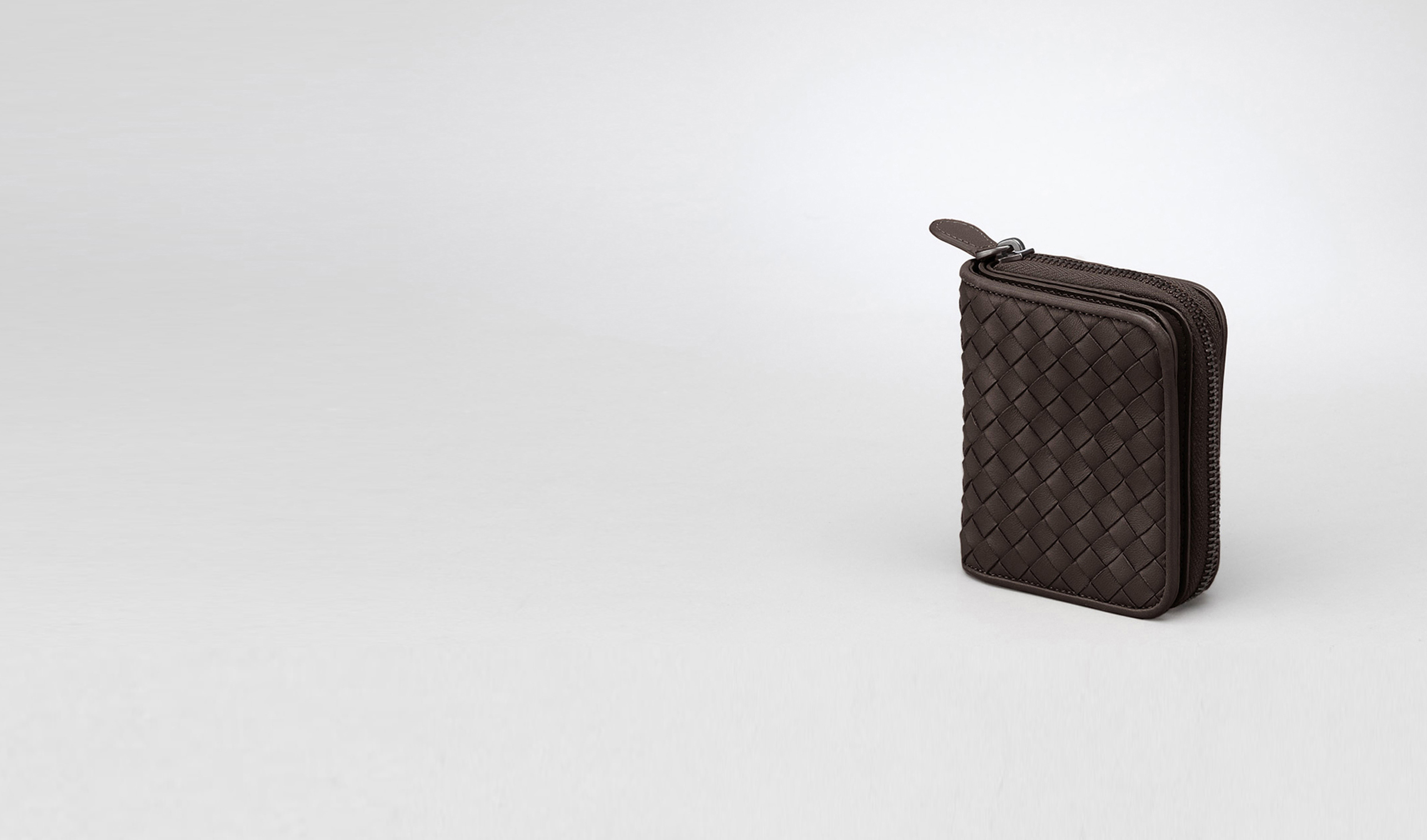 BOTTEGA VENETA Mini Wallet or Coin Purse D Ebano Intrecciato Nappa Mini Wallet pl