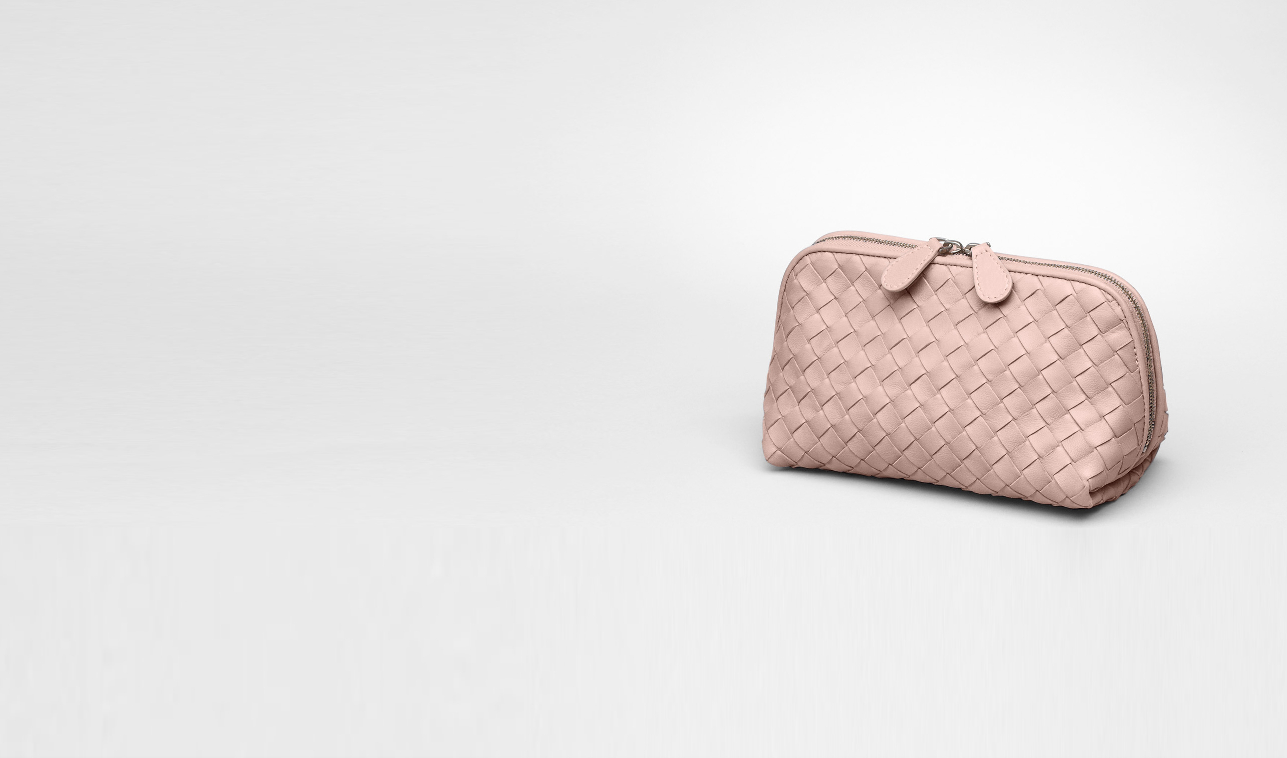 BOTTEGA VENETA Cosmetic Case D Intrecciato Nappa Cosmetic Case pl
