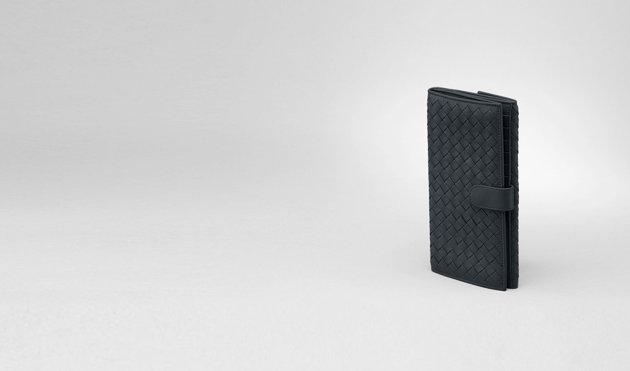 BOTTEGA VENETA Continental Wallet D Prusse Intrecciato Washed Lambskin Continental Wallet pl