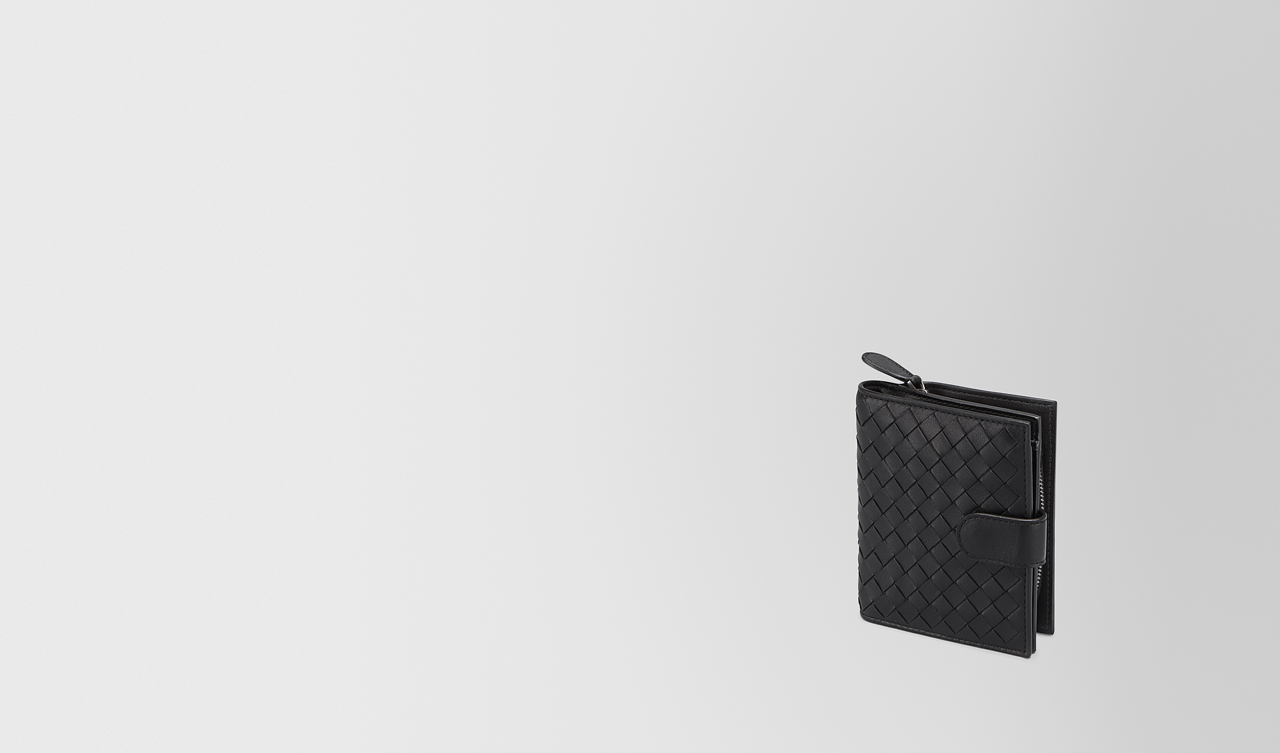 BOTTEGA VENETA Mini Wallet or Coin Purse D MINI WALLET IN NERO INTRECCIATO NAPPA pl