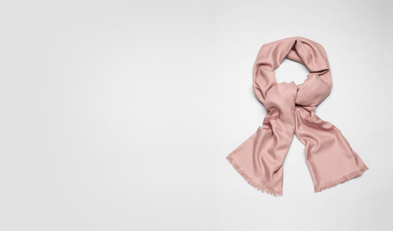 BOTTEGA VENETA Scarf or Hat or Glove E Petale Watteau Jaquard Silk Scarf pl