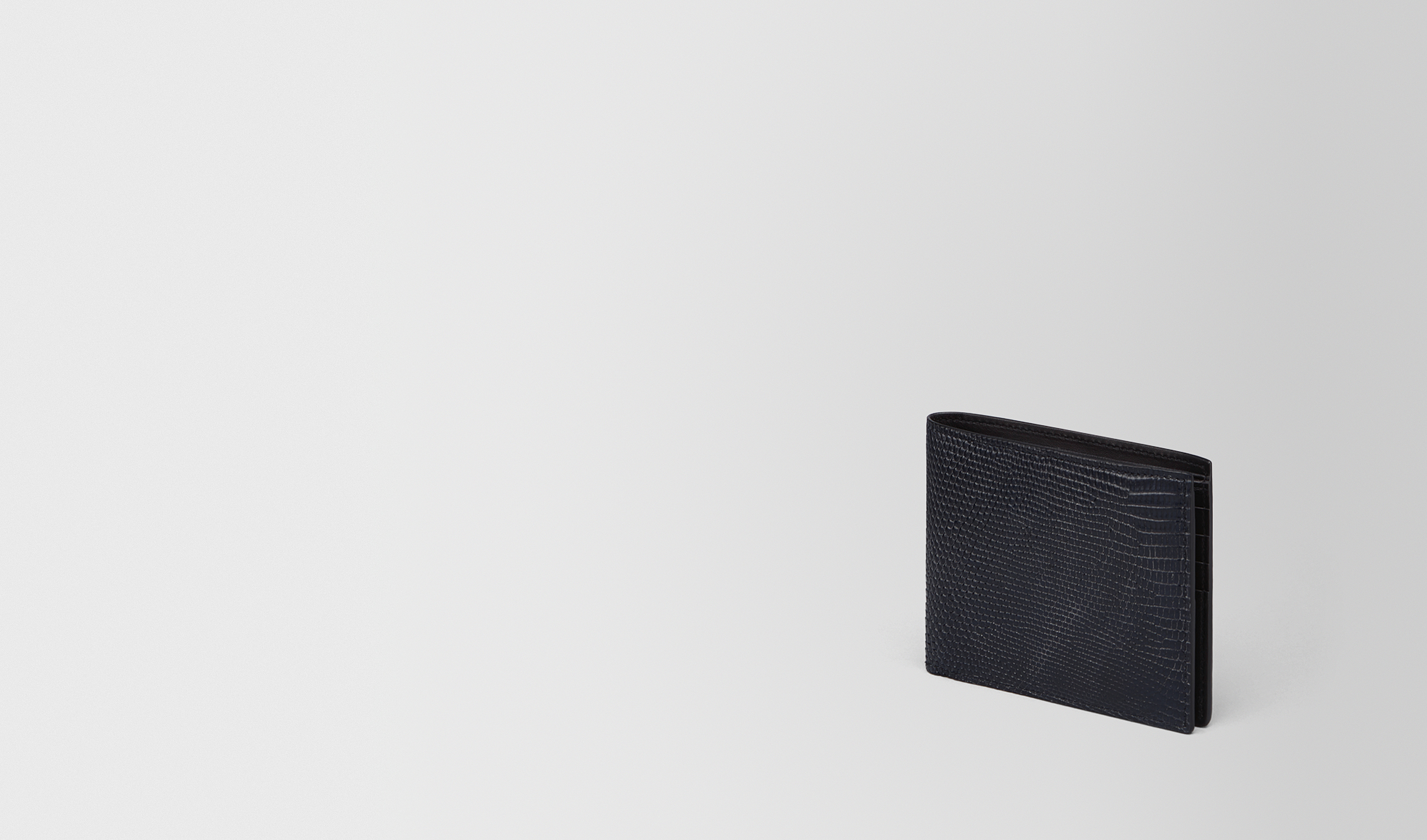 BOTTEGA VENETA Portafoglio bi-fold U PORTAFOGLIO BI-FOLD IN LUCERTOLA TOURMALINE pl
