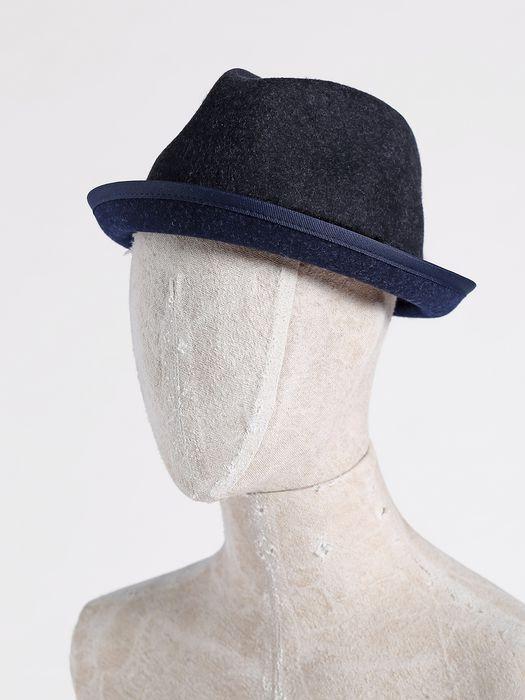 DIESEL CALIELET Caps, Hats & Gloves U f