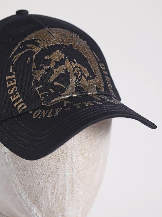 DIESEL CAHETEL Bérets, chapeaux et gants U a