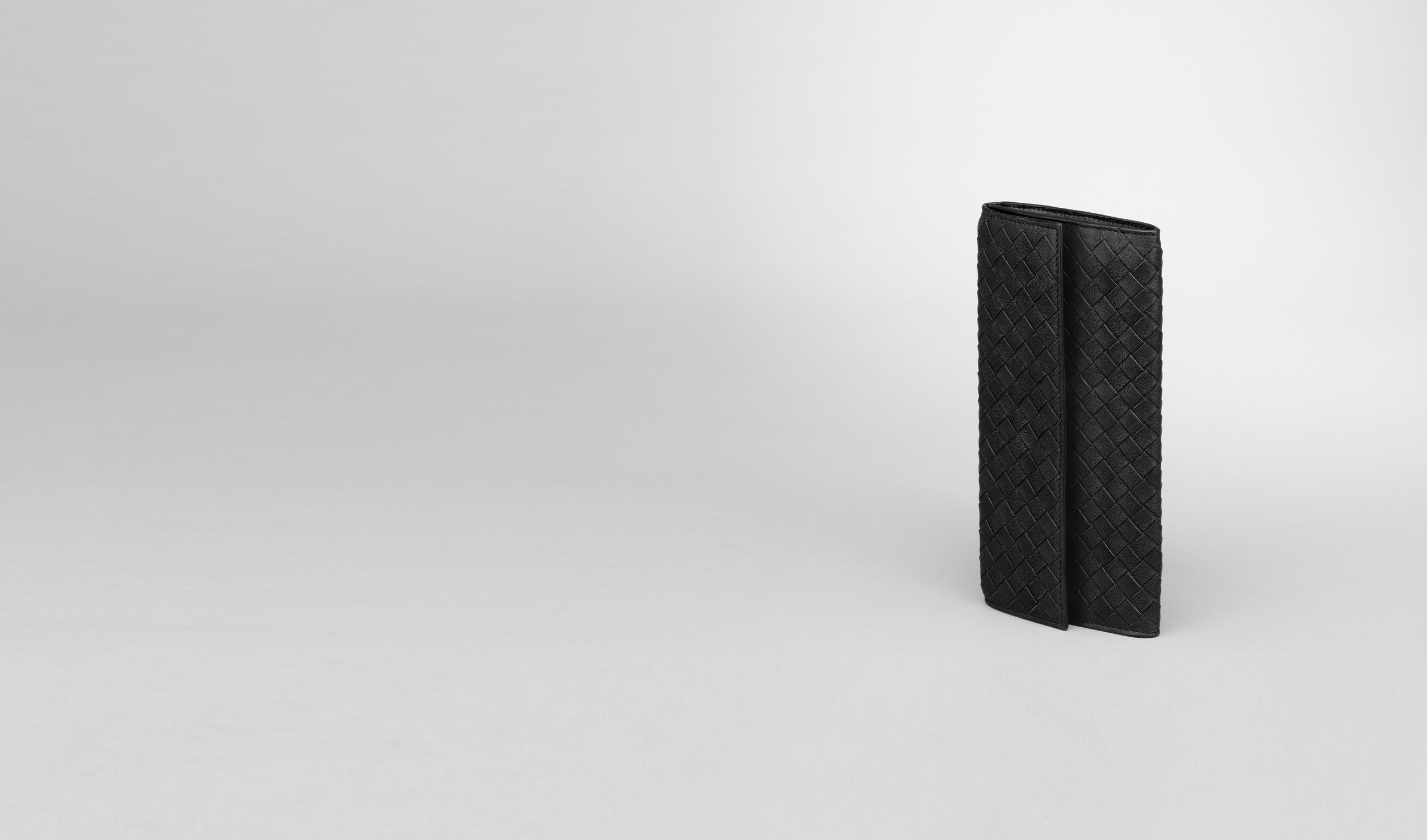 BOTTEGA VENETA Continental Wallet D Nero Intrecciato Washed Lambskin Continental Wallet pl