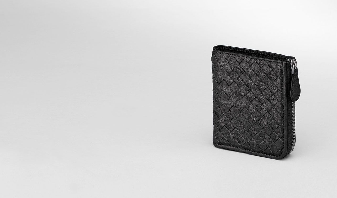 BOTTEGA VENETA Mini Wallet or Coin Purse D Nero Intrecciato Washed Lambskin Zip Around Mini Wallet pl