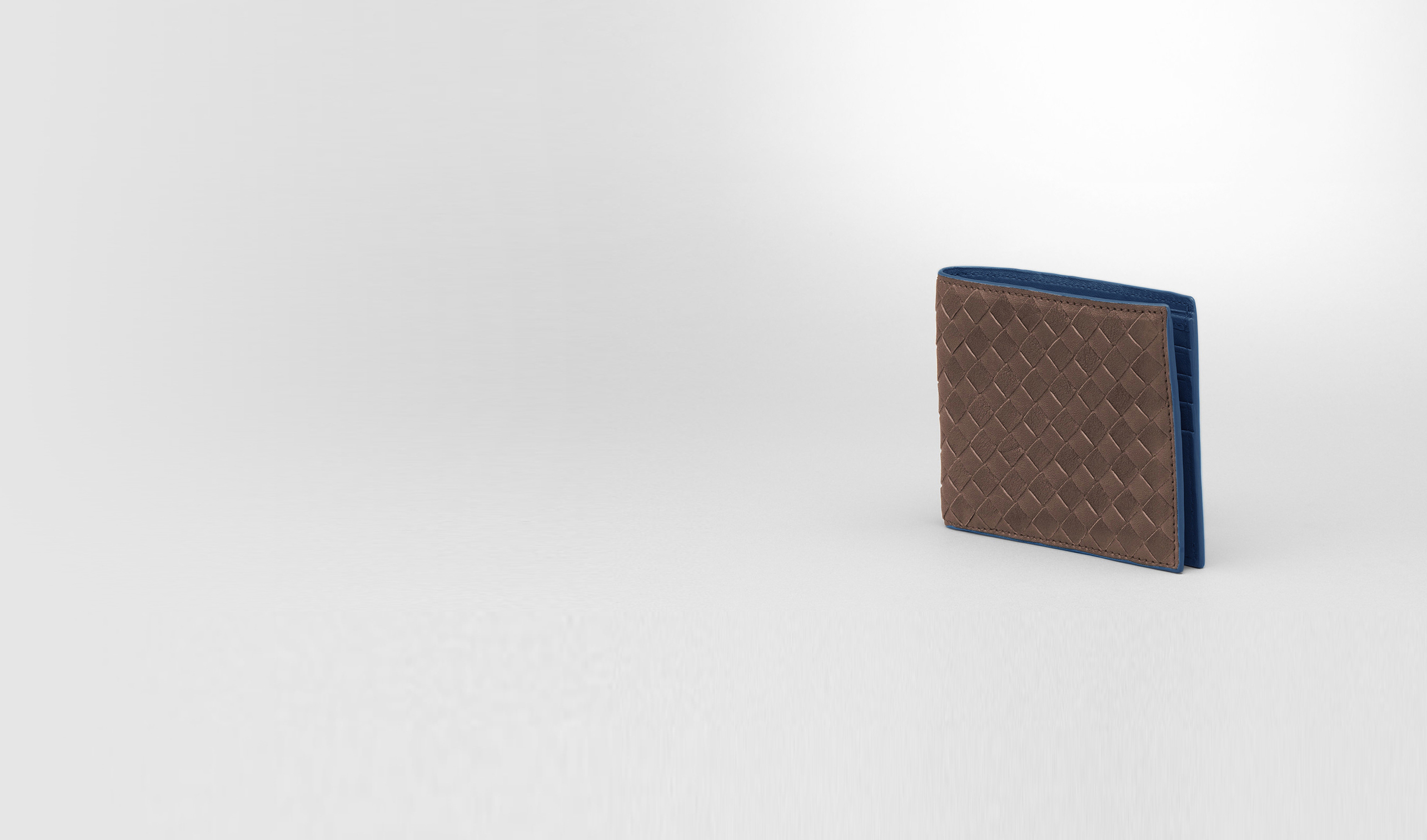 BOTTEGA VENETA Bi-fold Wallet U Edoardo Électrique Intrecciato Washed Vintage Wallet pl