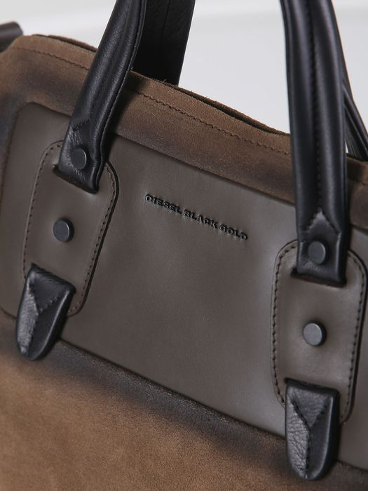 DIESEL BLACK GOLD QUIN - TO Handbag U r