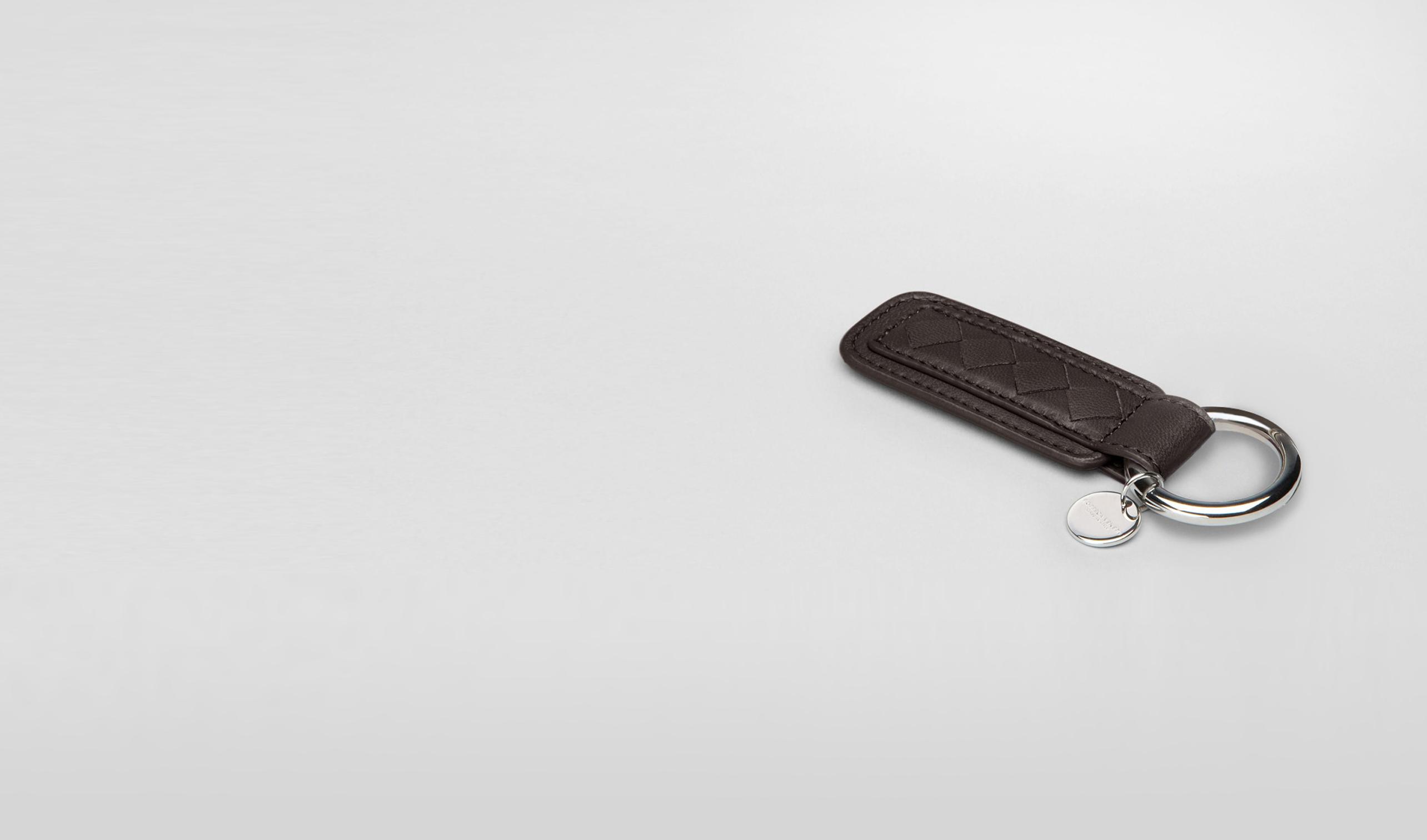 BOTTEGA VENETA Schlüsselring oder Armband E Schlüsselanhänger aus Nappaleder Intrecciato Ebano pl
