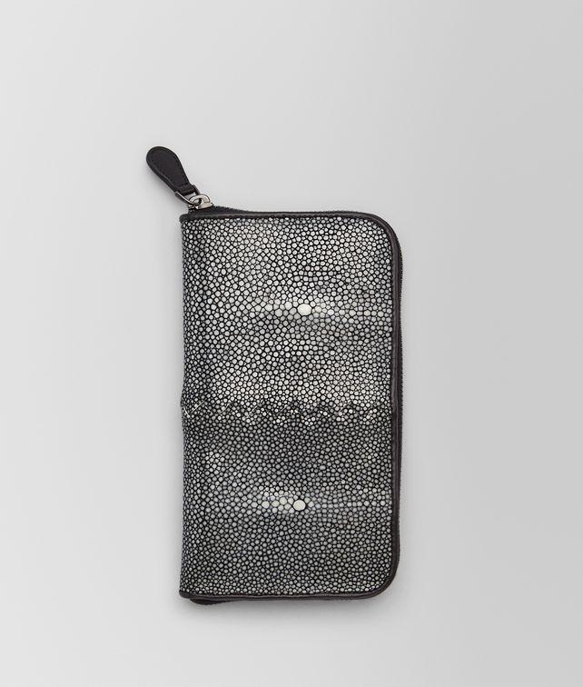 BOTTEGA VENETA PORTEMONNAIE MIT ZIP AUS STACHELROCHEN IN NERO Portemonnaie mit Zip U fp