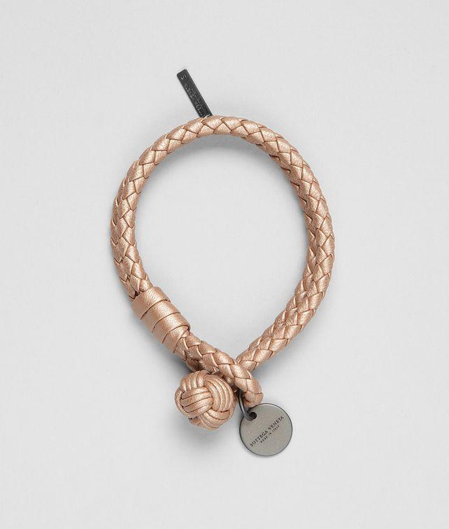 BOTTEGA VENETA Armband aus NAPPALEDER INTRECCIATO METALLIZZATO RAME MET Schlüsselring oder Armband D fp