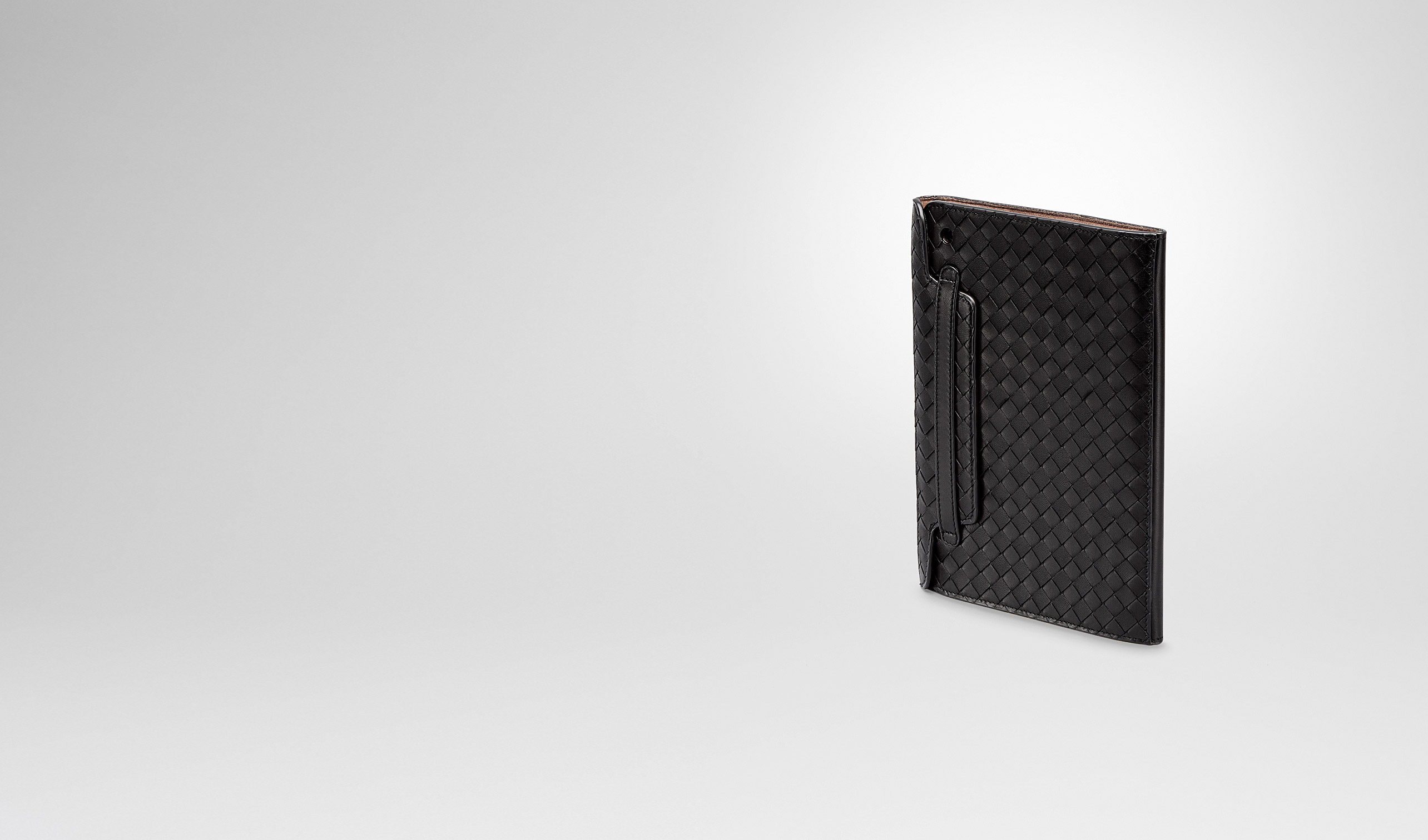 BOTTEGA VENETA Altro accessorio in pelle E CUSTODIA PER IPAD MINI IN INTRECCIATO NAPPA NERO pl