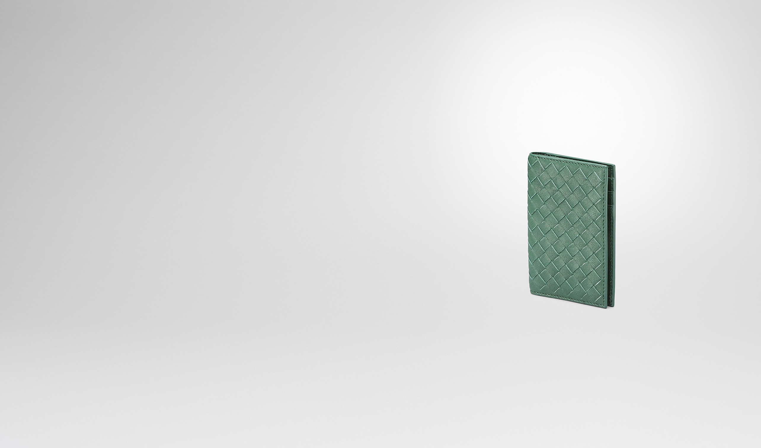 BOTTEGA VENETA Card Case or Coin Purse U Emerald Green Intrecciato Washed Lambskin Card Case pl