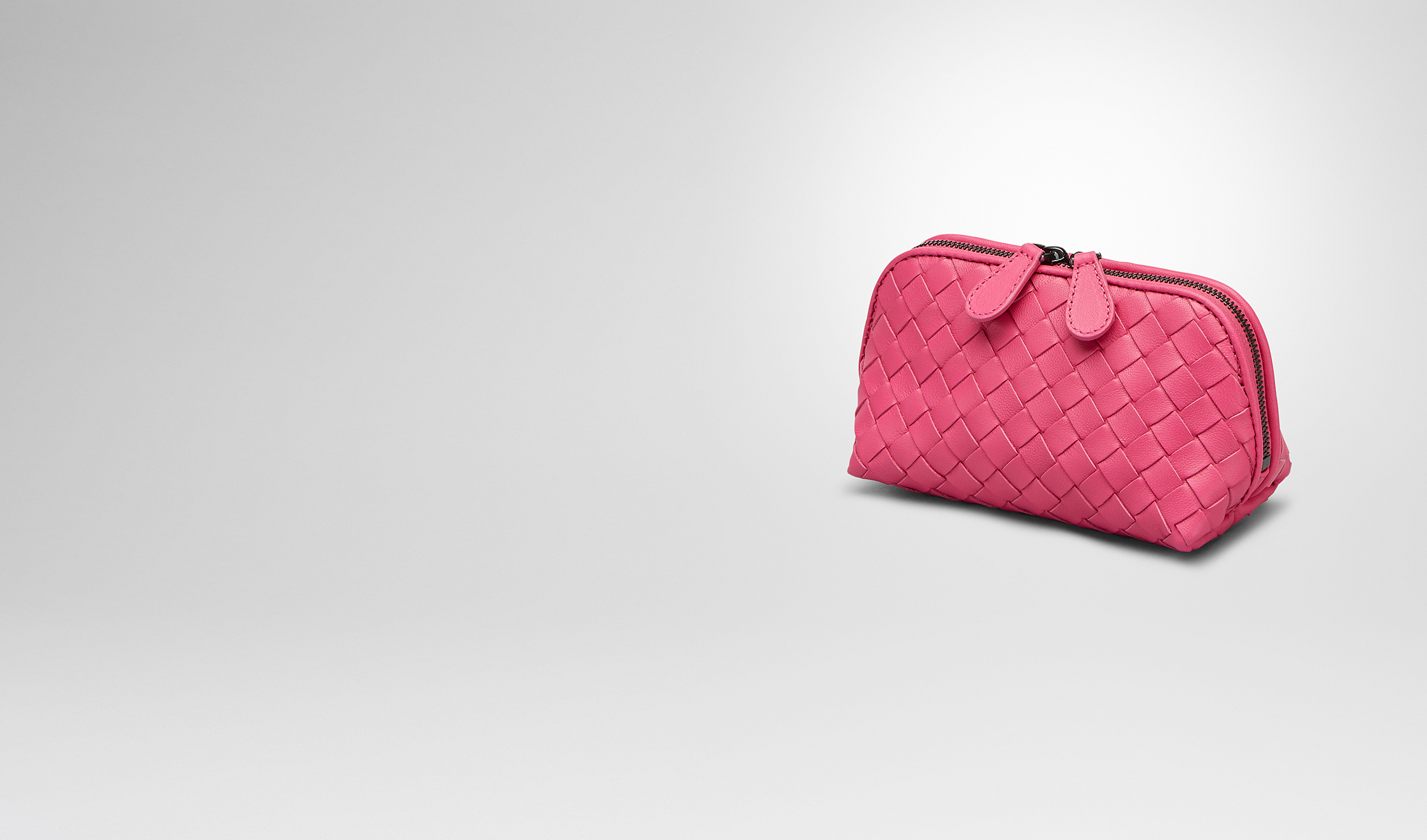 BOTTEGA VENETA Altro accessorio in pelle D BEAUTY CASE ROSA SHOCK IN NAPPA INTRECCIATA pl