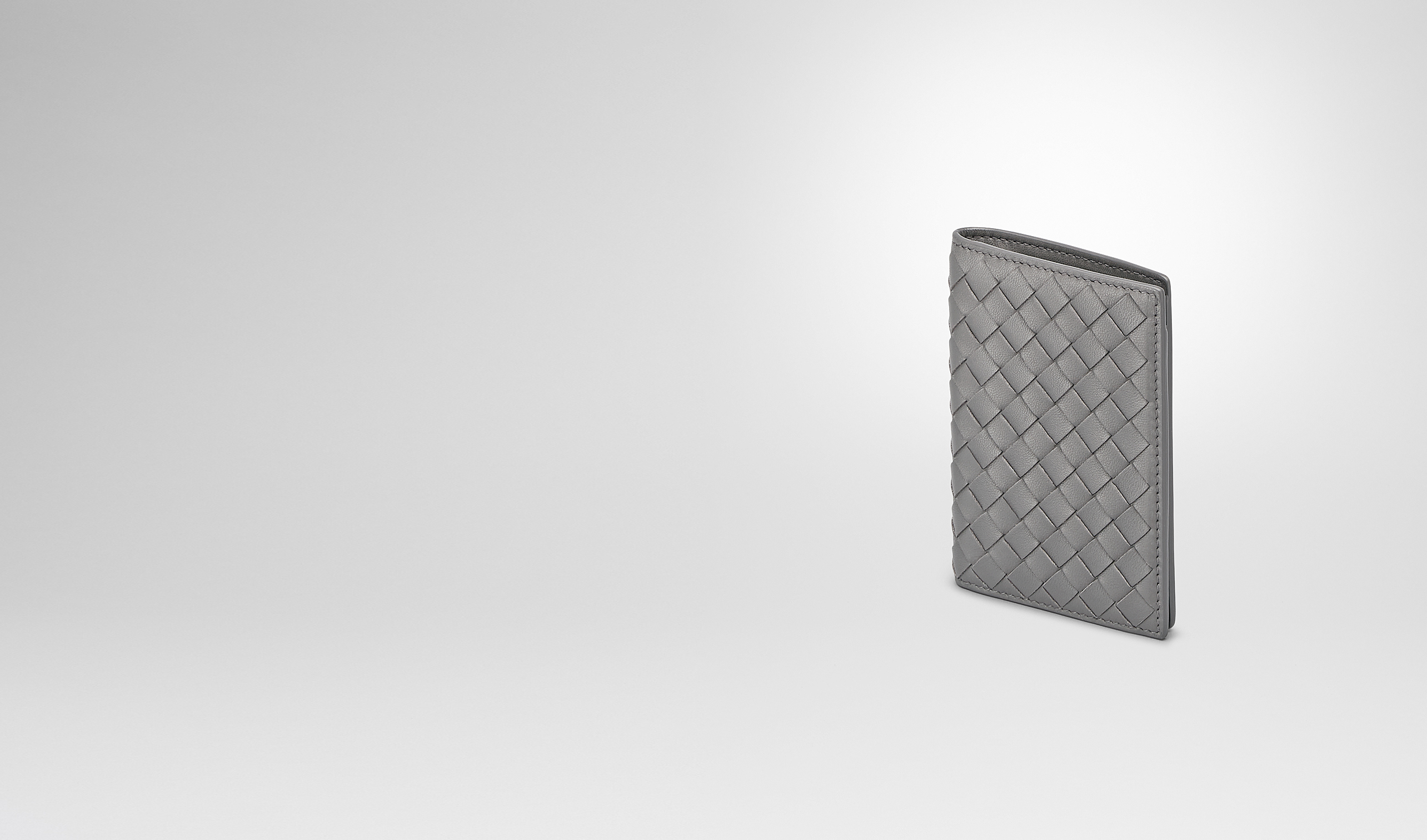 BOTTEGA VENETA Autre accessoire en cuir E PORTE-CARTES NEW LIGHT GREY EN NAPPA INTRECCIATO pl