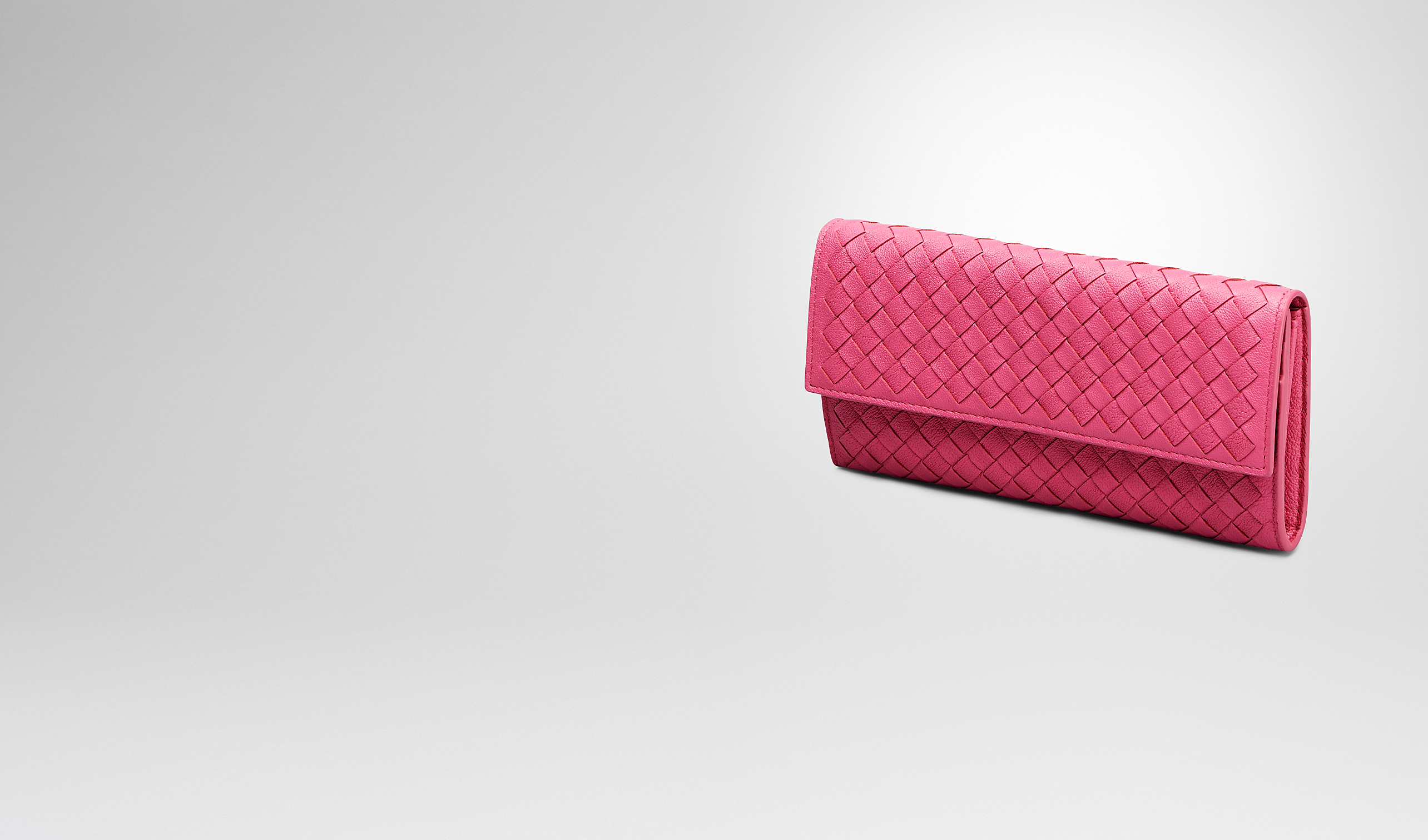 BOTTEGA VENETA Continental Wallet D ROSA SHOCK Intrecciato Washed Lambskin CONTINENTAL WALLET pl