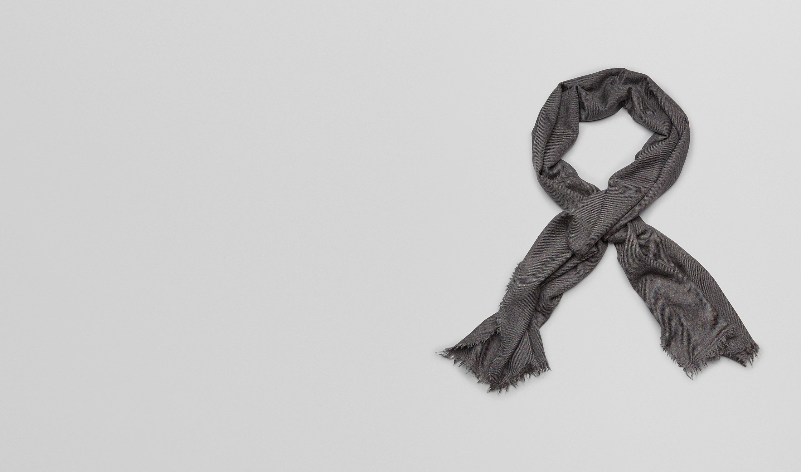 BOTTEGA VENETA Scarf or other D SCARF IN ANTHRACITE CASHMERE pl