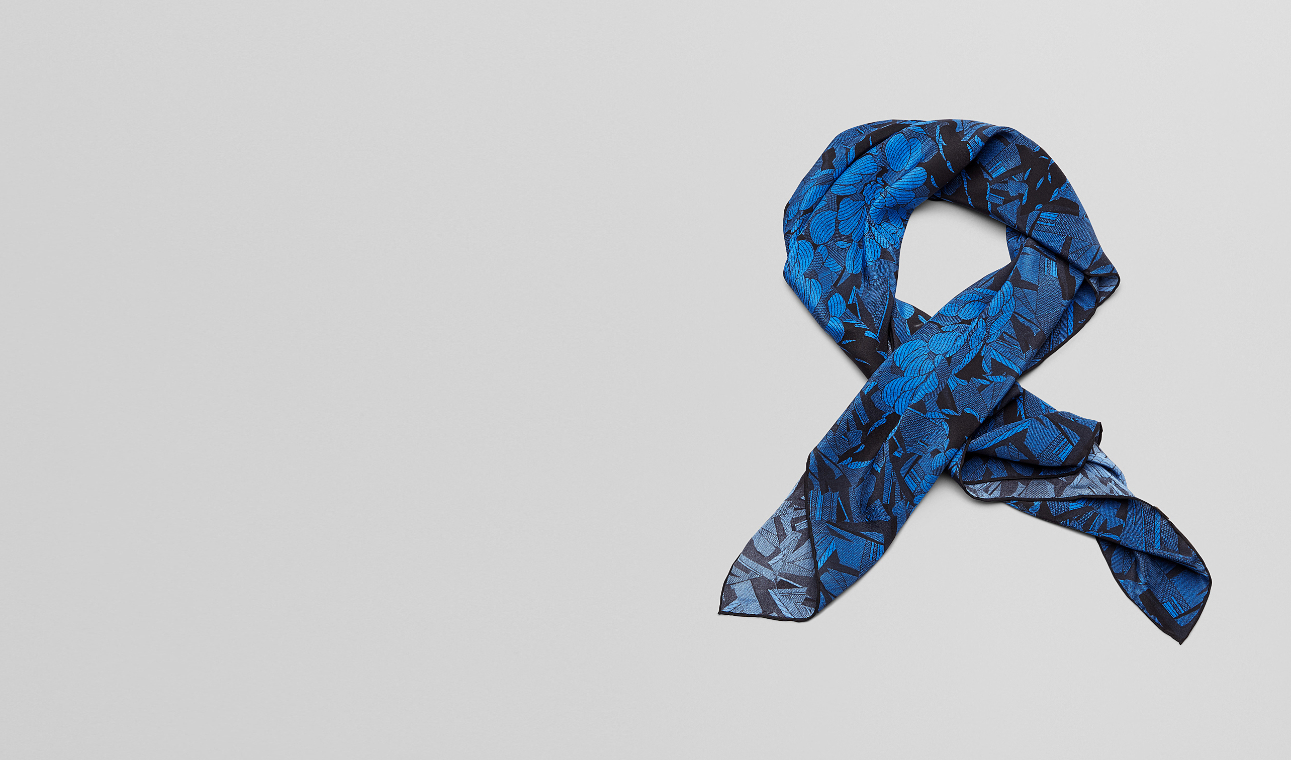 BOTTEGA VENETA Scarf or other D BLACK BLUE  SILK FOULARD pl