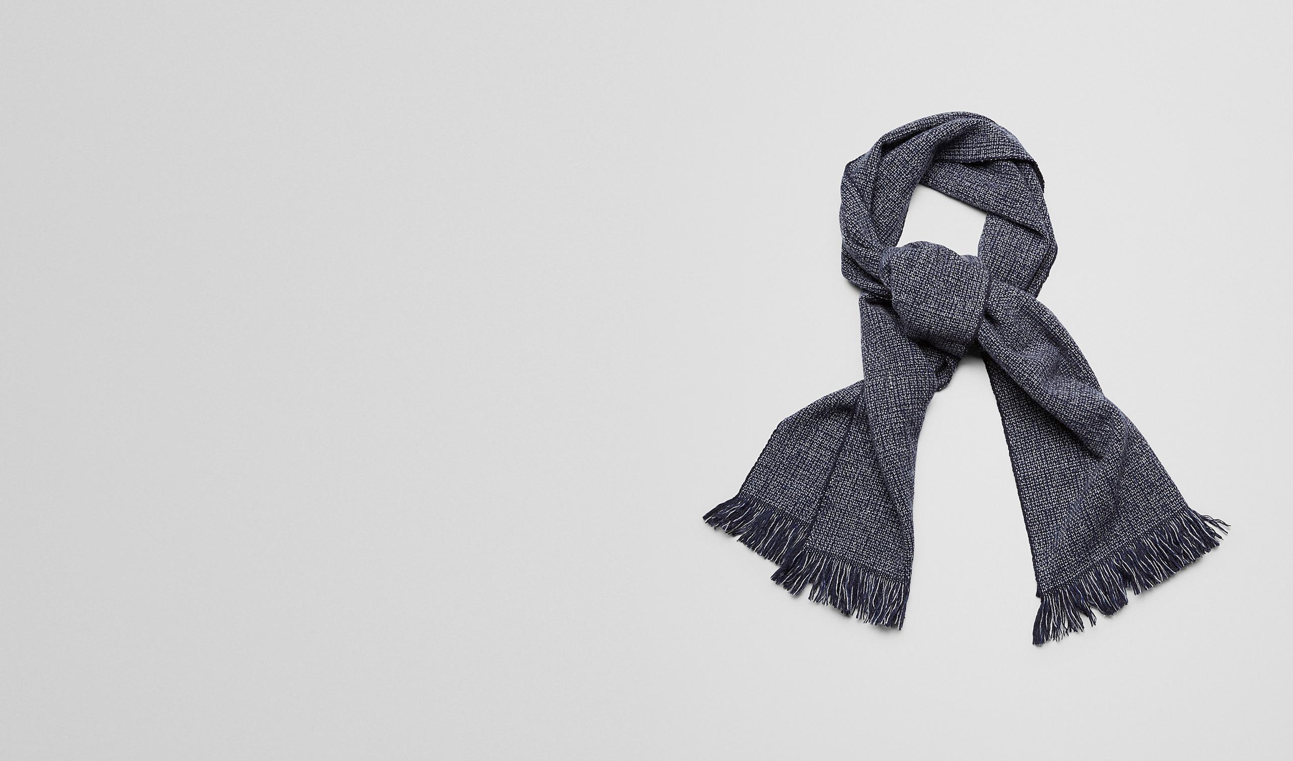 BOTTEGA VENETA Schal oder Hut oder Handschuhe U SCHAL AUS WOLLE UND KASCHMIR ANTHRACITE UND BLUE pl