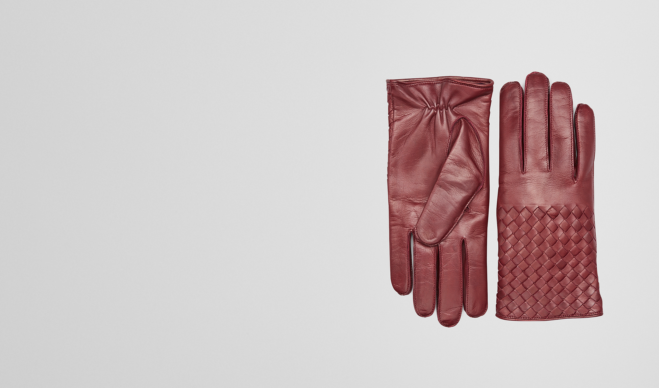 BOTTEGA VENETA Scarf or Hat or Glove U Aubergine Intrecciato Soft Nappa Gloves pl