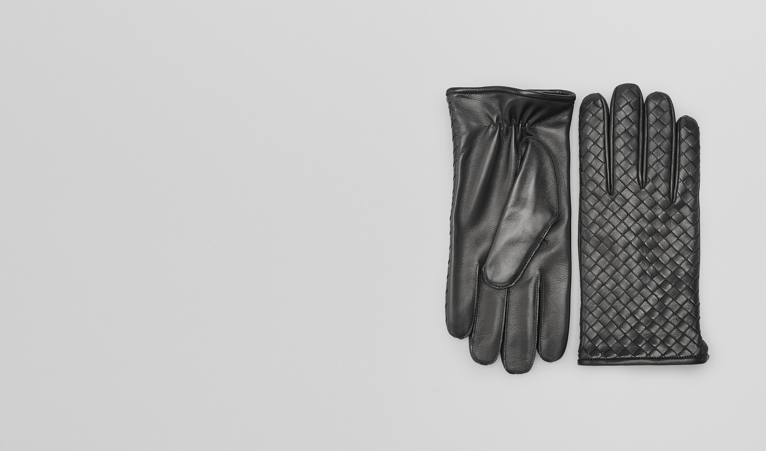BOTTEGA VENETA Scarf or Hat or Glove U Dark Grey Intrecciato Soft Nappa Gloves pl