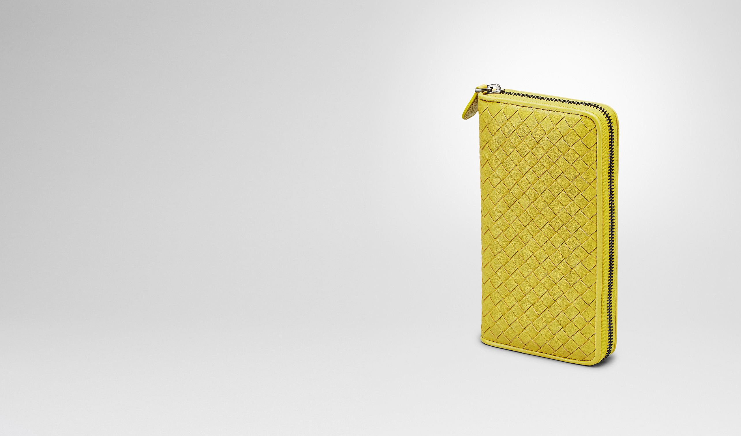 BOTTEGA VENETA Zip Around Wallet D NEW CHARTREUSE Intrecciato Washed Lambskin ZIP AROUND WALLET pl