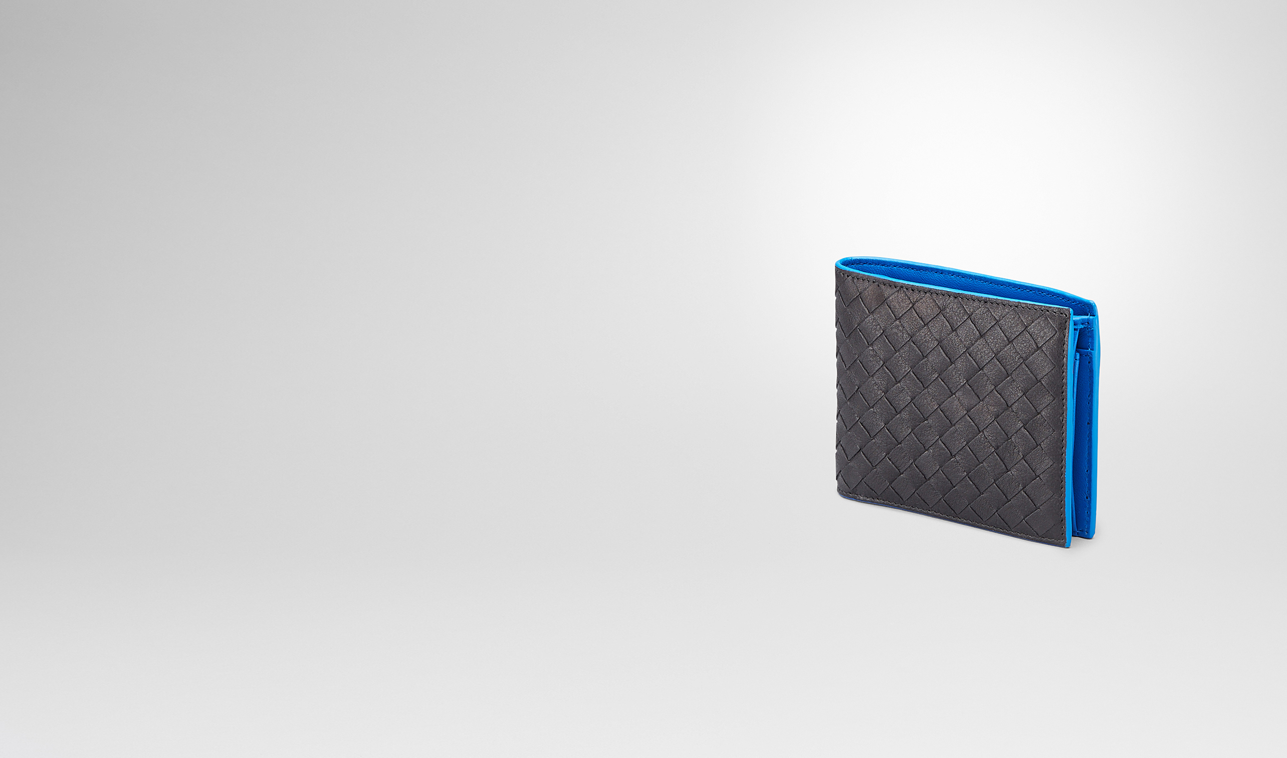 BOTTEGA VENETA Bi-fold Wallet U Nero Signal Blue Intrecciato Washed Vintage Wallet pl