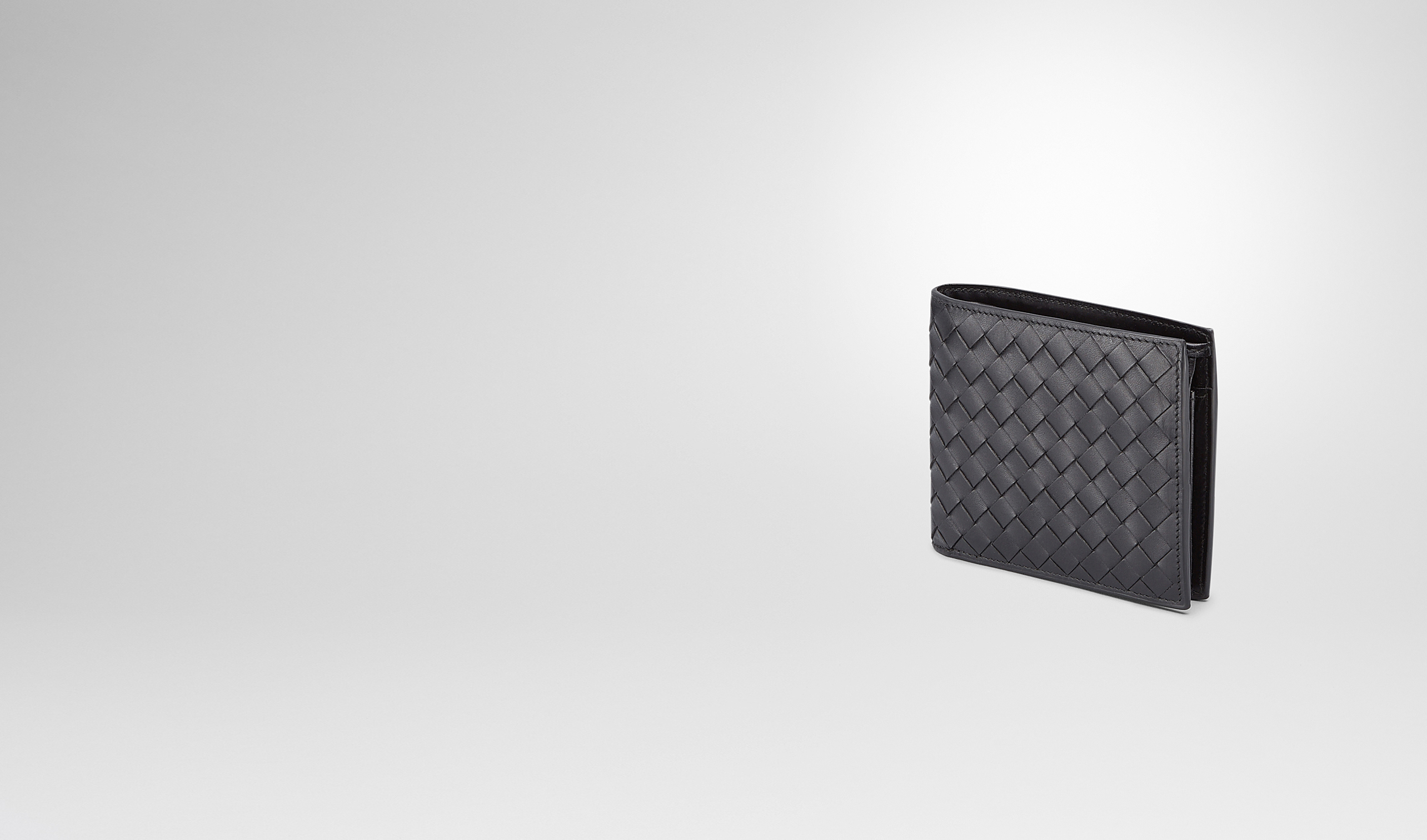 BOTTEGA VENETA Bi-fold Wallet U BI-FOLD WALLET WITH COIN PURSE IN NERO CALF INTRECCIATO pl
