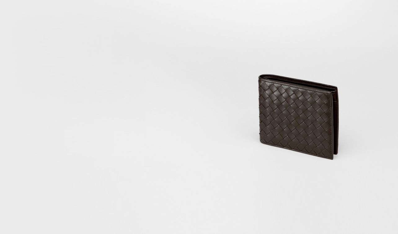 bi-fold wallet with id window in espresso intrecciato vn landing