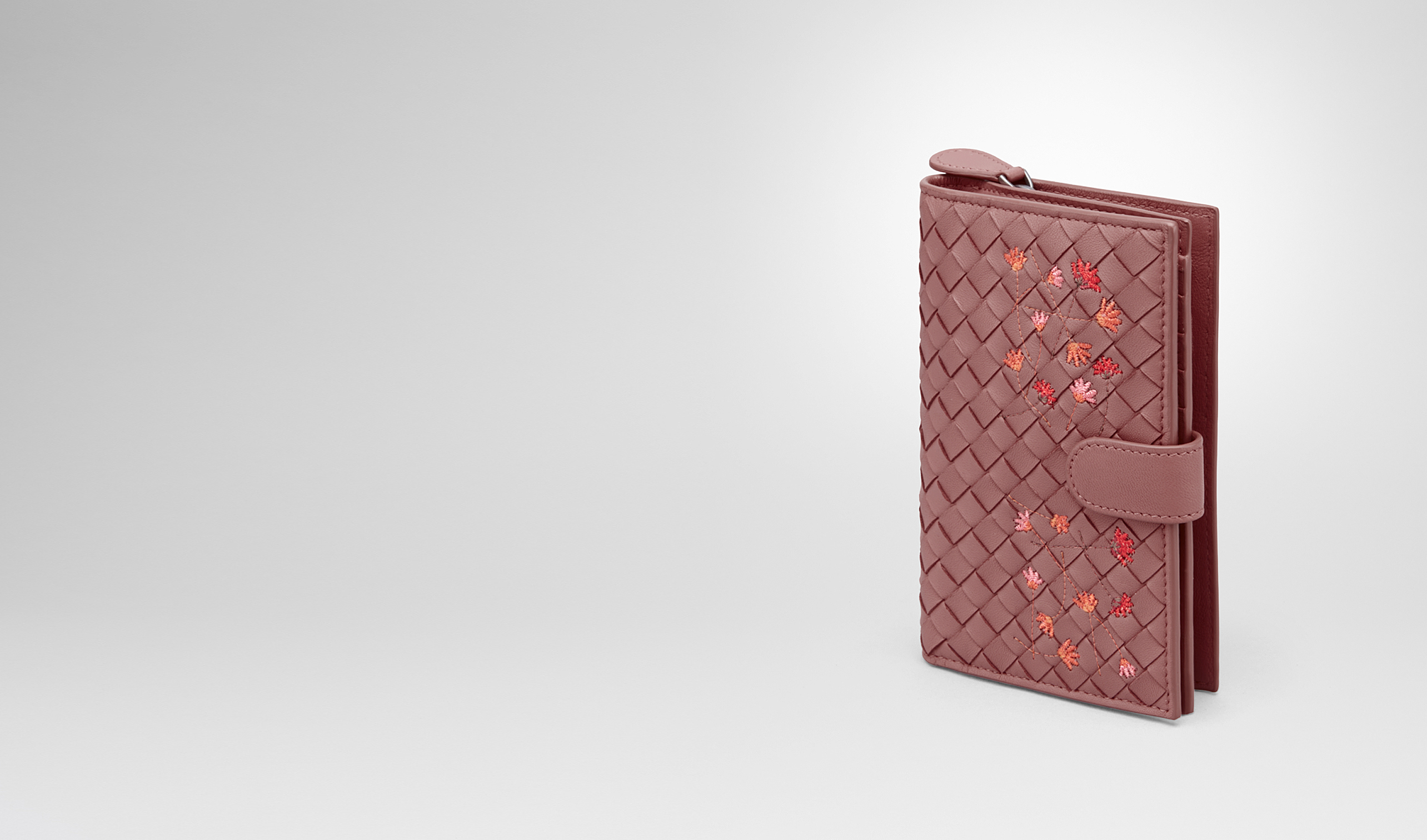 BOTTEGA VENETA Continental Wallet D CONTINENTAL WALLET IN DUSTY ROSE EMBROIDERED NAPPA pl