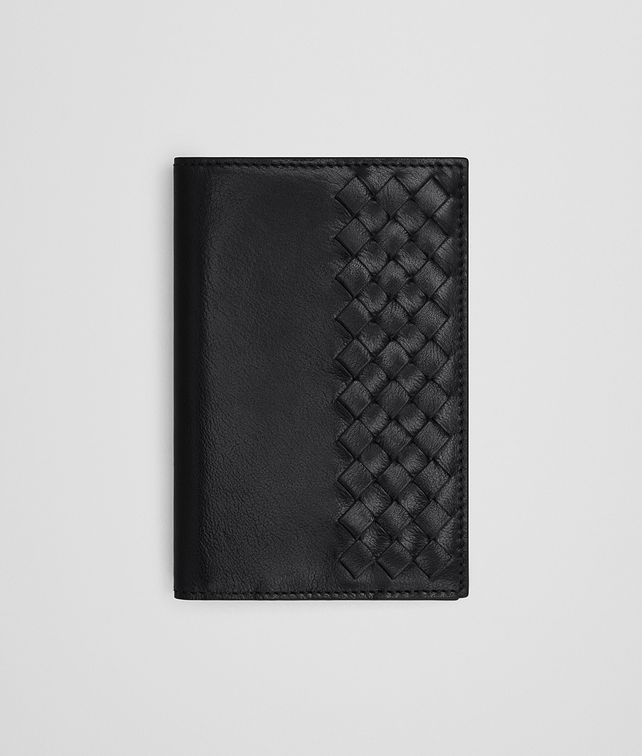 BOTTEGA VENETA BI-FOLD WALLET IN NERO CALF LEATHER, INTRECCIATO DETAILS Bi-fold Wallet Man fp