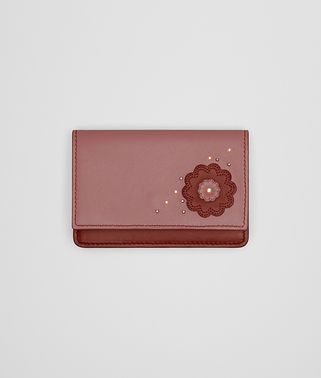 CARD CASE IN PETRA DUSTY ROSE EMBROIDERED NAPPA LEATHER, METAL STUDS DETAILS