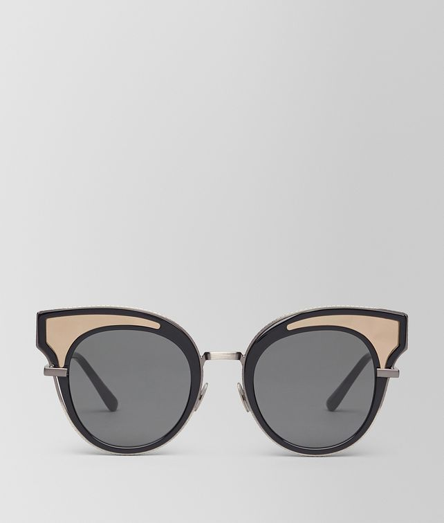 BOTTEGA VENETA SUNGLASSES IN SHINY BLACK ACETATE, SOLID GREY LENSES Sunglasses D fp