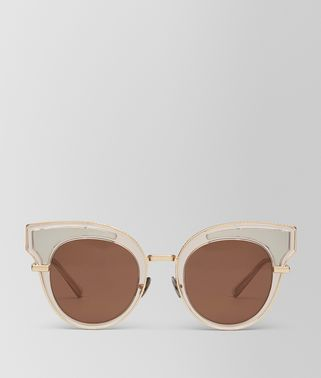 SUNGLASSES IN TRANSPARENT LIGHT HONEY ACETATE, SOLID BROWN LENS