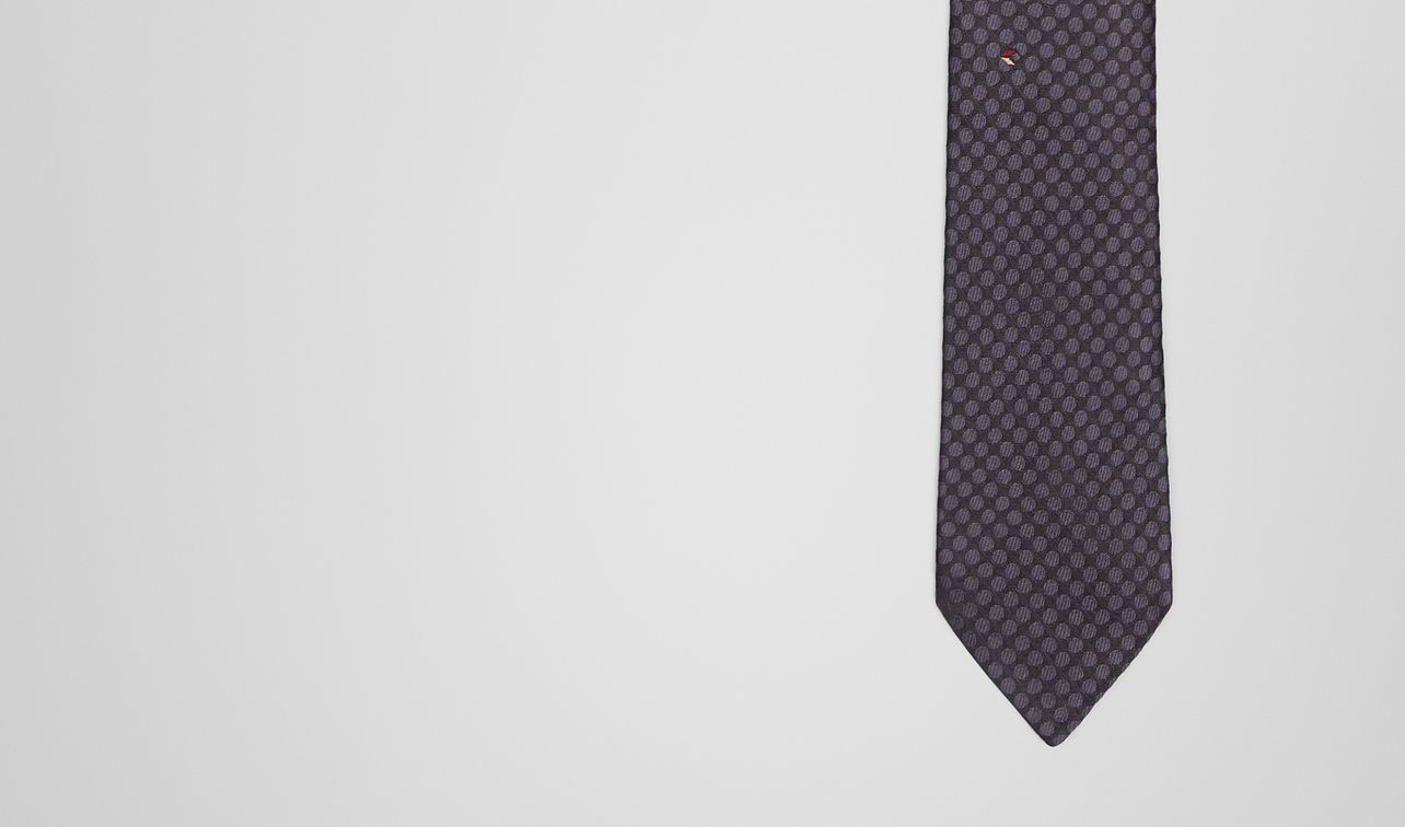 anthracite bordeaux silk tie landing