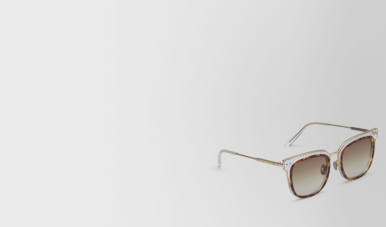 sunglasses in shiny classic havana acetate and transparent light yellow metal, gradient brown lens landing