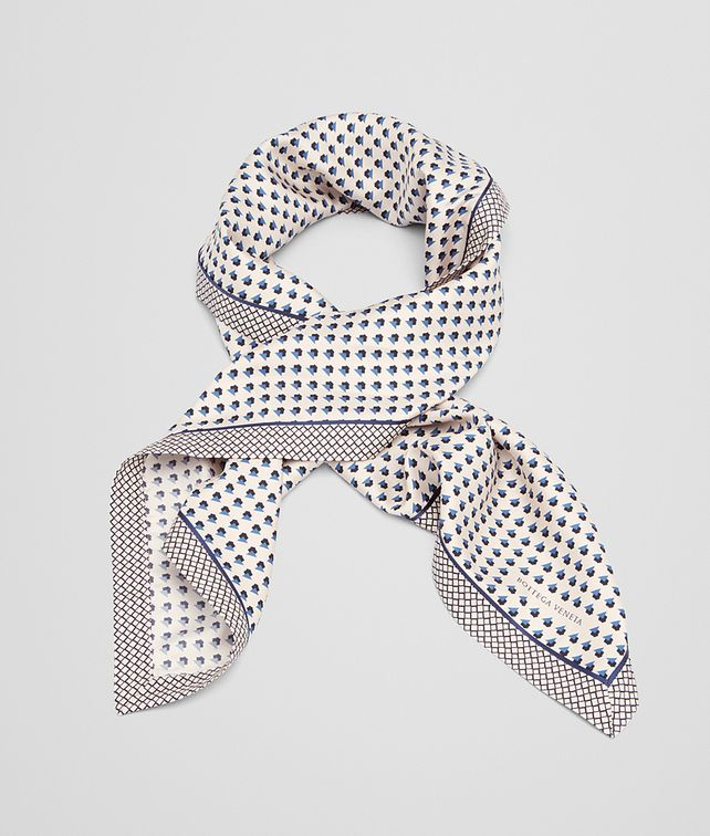 BOTTEGA VENETA FOULARD IN CREAM BLUE SILK Scarf or other D fp