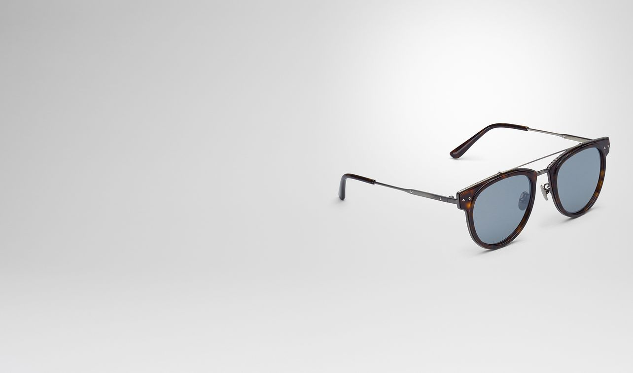 sunglasses in shiny dark havana acetate and metal , mirror silver lens landing