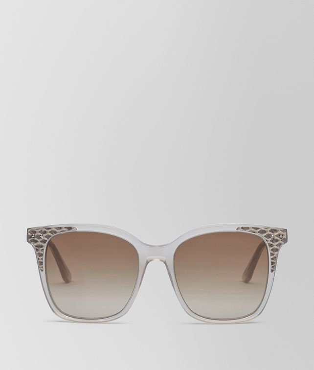 BOTTEGA VENETA SUNGLASSES IN SHINY MILKY MUD ACETATE AND FUMO NEW AYERS LEATHER, GRADIENT BROWN LENS Sunglasses Woman fp