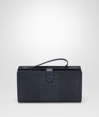 MULTI FUNCTIONAL CASE IN PRUSSE INTRECCIO AURELIO CALF , EMBROIDERY DETAILS