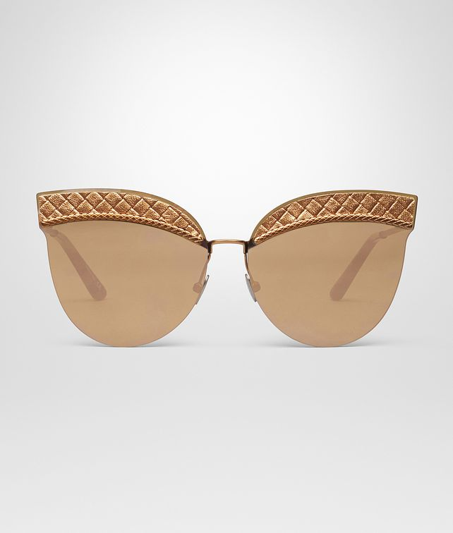 BOTTEGA VENETA SUNGLASSES IN CALVADOS NYLON LEATHER, ROSE GOLD LENSES AND INTRECCIATO DETAILS ON THE FRAME Sunglasses Woman fp