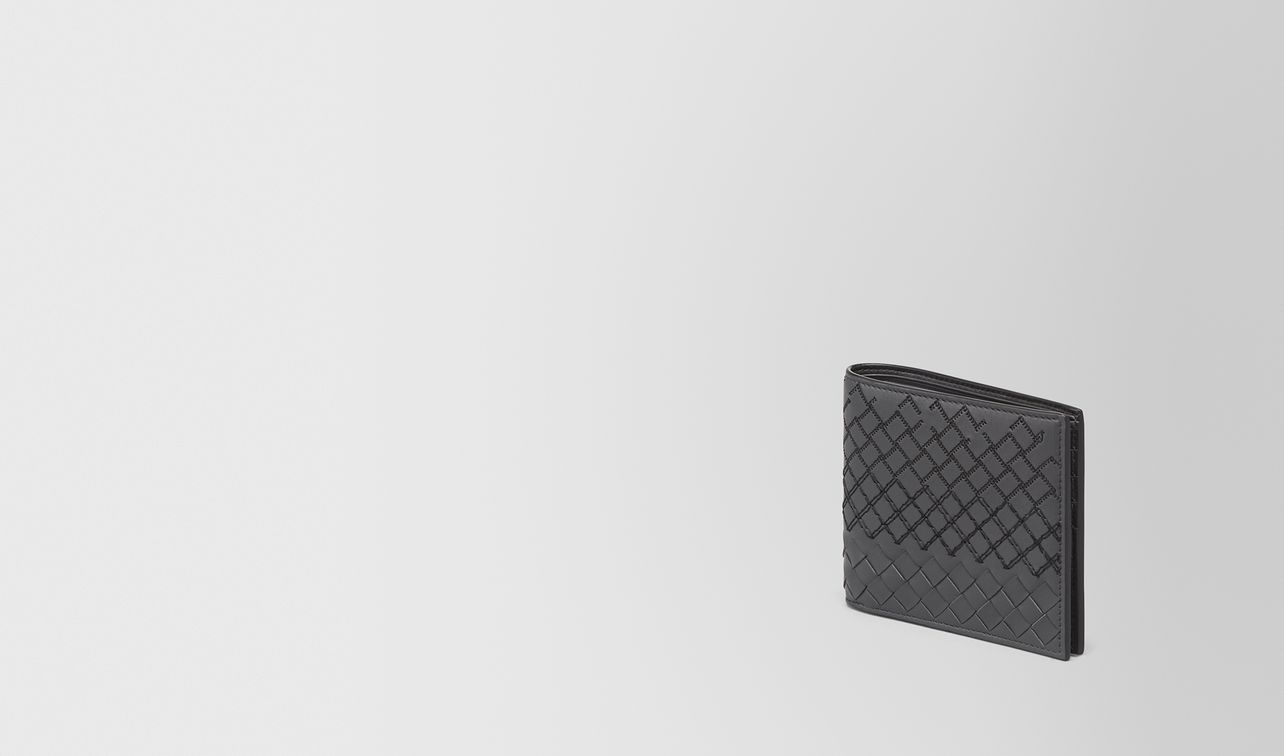 bi-fold wallet in ardoise intreccio aurelio calf, embroidery details landing
