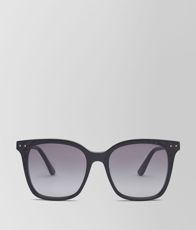 BOTTEGA VENETA SUNGLASSES IN SHINY BLACK ACETATE AND BLACK NAPPA LEATHER, GRADIENT GREY LENS Sunglasses Woman fp