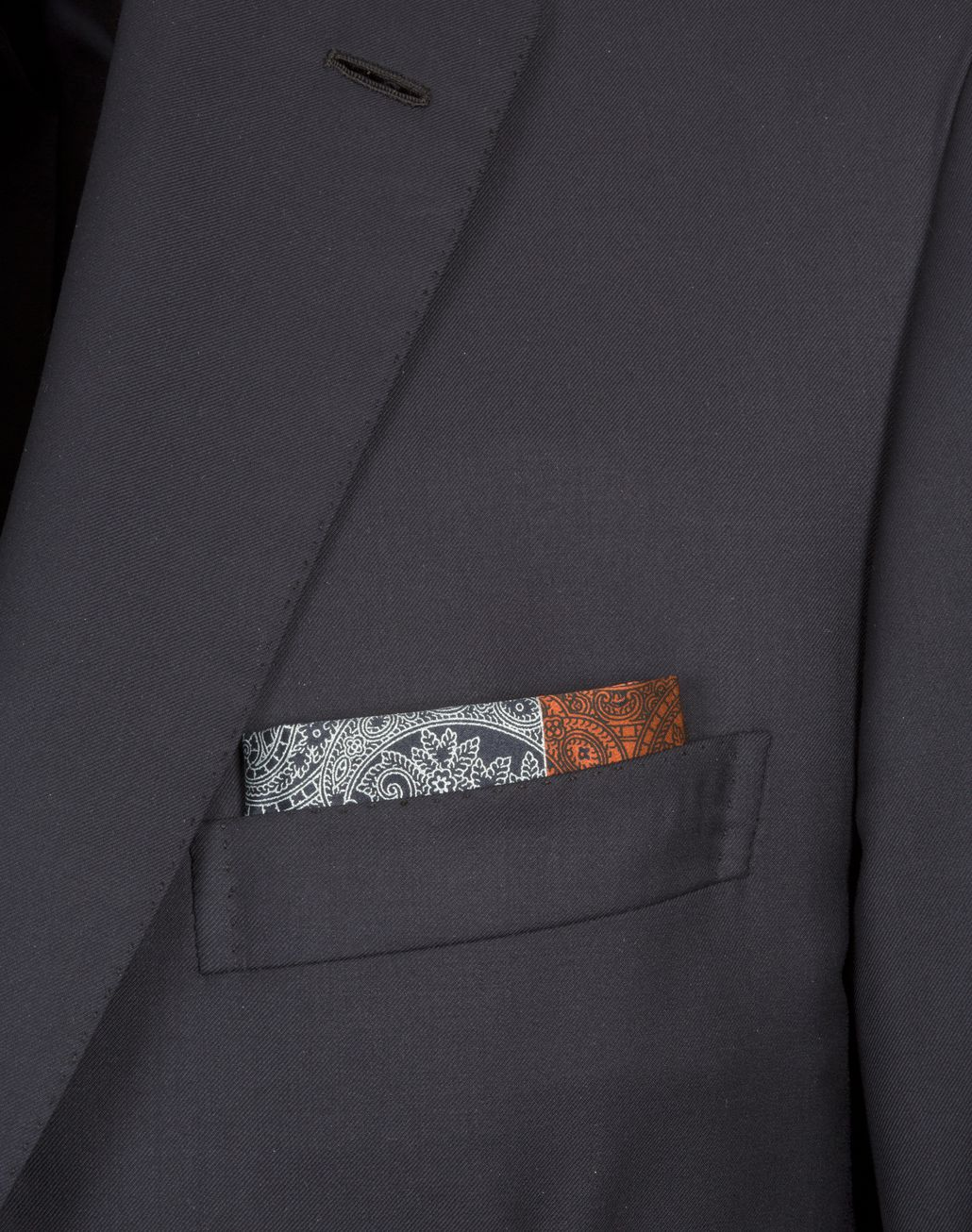 BRIONI Orangee and Blue Paisley Pocket Square Pocket Square Man r