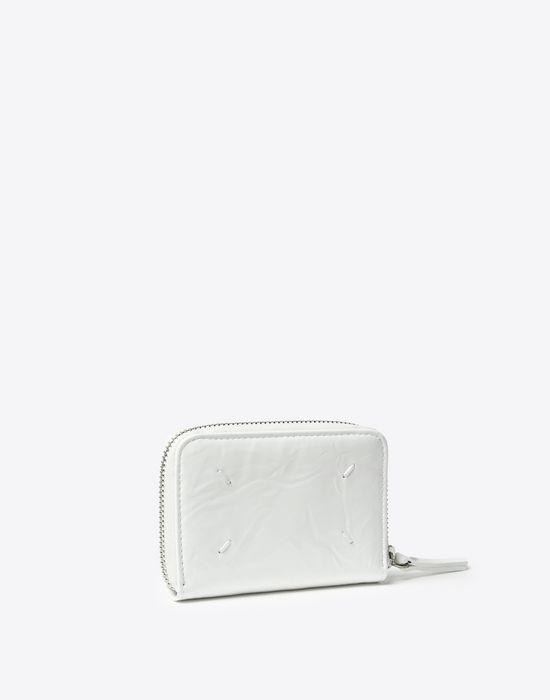 MAISON MARGIELA Kleine Brieftasche, Lackleder mit Knittereffekt Portemonnaie D r