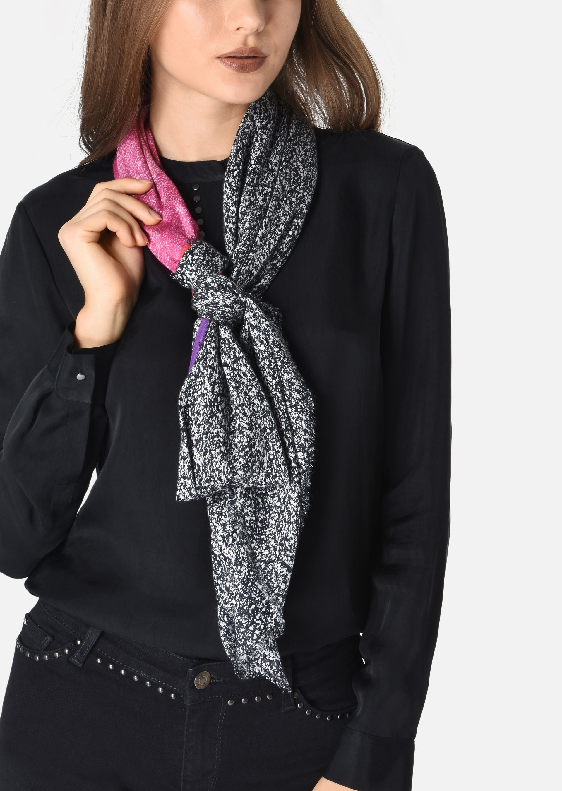 ... EMPORIO ARMANI Scarf with fantasy drawing Foulard D r ... 88017a0e860