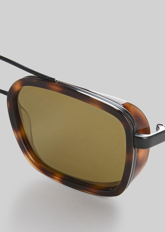 GIORGIO ARMANI Catwalk Sonnenbrille mit faltbaren Bügeln Sonnenbrille U e
