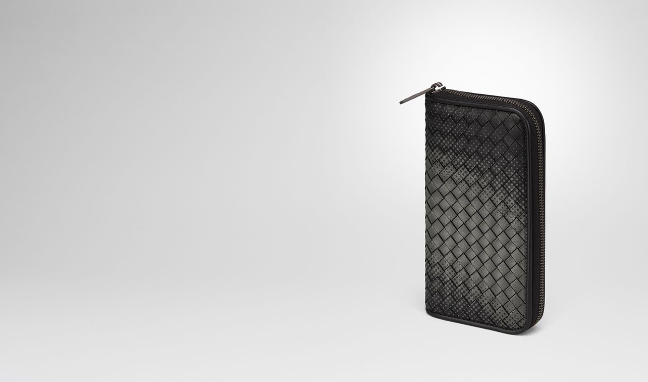 nero intrecciato nappa zip-around wallet landing